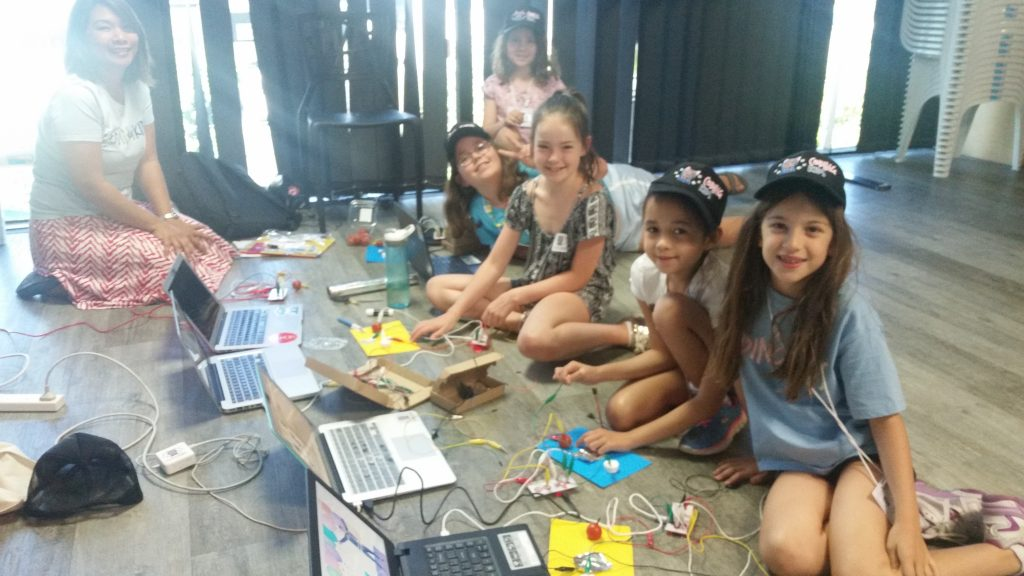Arts crafts and electronics